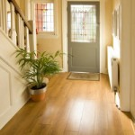 Der Holzboden für die traditionelle Wohnkultur