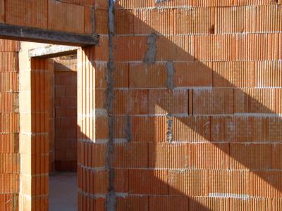 Haus bauen baustelle  Hausbauen mit Bedacht mit gezielten Eigenleistungen