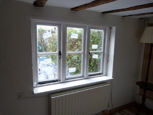 Ein altes Fenster durch ein neues zu ersetzen ist durchaus machbar für einen erfahrenen Heimwerker. Bild: Paul Flint Lizenz: CC BY-SA 2.0